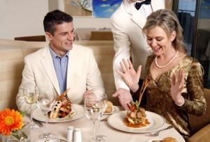 Ein romantisches Abendessen mit mehreren Gängen kann leicht zu Schlafstörungen führen